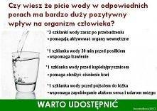 W jakich porach dnia warto pić wodę?