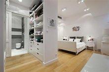 sypialnia z garderobą i łazienką