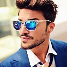 jakie okulary i jaki mężczyzna:)