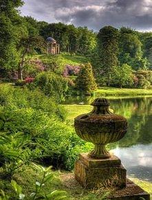Świątynia Apolla,Anglia