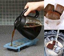 Na upalne dni mrożona kostkowana kawa z mlekiem mmm pycha