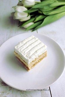 """""""3 bit  Forma 32x21 cm:  Składniki: ok. 400-500 g herbatników petit beurre ok. 800 g kajmaku 3 szklanki mleka 3/4 szklanki cukru z prawdziwą wanilią 125 g masła 4 łyżki mąk..."""