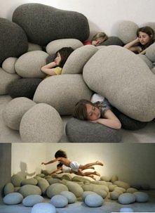 Poduszki kamienie :) Wygląda ciekawie! ;)