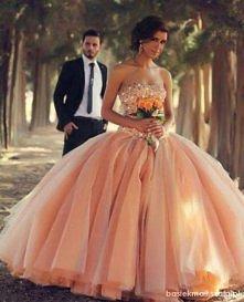 Nieziemska sukienka !