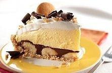 Ciasto kremowe z bananami  Składniki: 1 szklanka drobno pokruszonych herbatni...