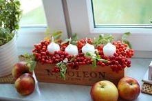 jesienna dekoracja z jarzębiną