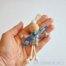 makramowy ludzik pm-betweenthelines.blogspot.fr 2013/07/t-shirt-yarn-macrame-puppets.html