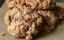Ciasteczka są dietetyczne, pożywne i dość szybkie w przygotowaniu. Idealne dla osób na diecie i dzieci. Składniki: 1,5 szklanki płatków owsianych 1/3 szklanki pestek z dyni 1/2 ...