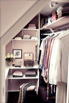 Pomysł na małą garderobę.