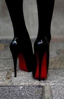 :))czyli czarne z czerwonym i koniecznie drogie!