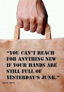Nie możesz sięgnąć  po nic nowego jeżeli twoje ręce są pełne wczorajszych śmi...