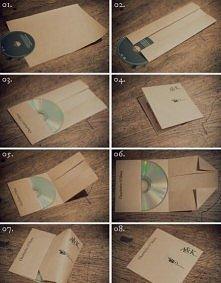 Potrzebne:  Papier z bloku technicznego, karton lub tektura Płyta