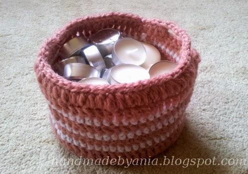 koszyczek zrobiony na szydełku - darmowy wzór po polsk na blogu :)