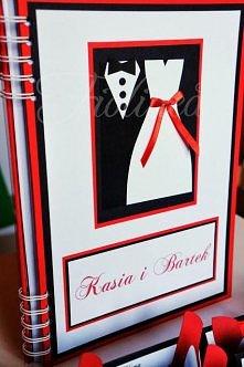 Czarno-czerwono-biała księg...