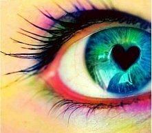 Nie ważne jakie oczy na Ciebie patrzą; jaki jest ich kolor,czy odcień tuszu do rzęs, czy cieni do powiek. Raczej najważniejsze jest to co te oczy chcą nam powiedzieć i dlaczego ...