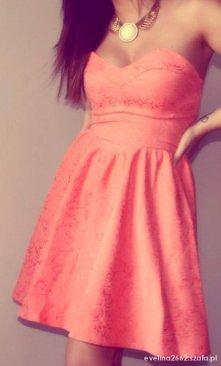 Rozkloszowana sukienka <3