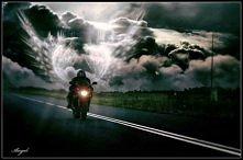 Nie jeździj szybciej niż Twój Anioł Stróż potrafi latać :)