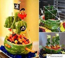 Statek piracki z arbuza