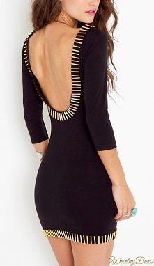 czarna obcisła sukienka bez pleców