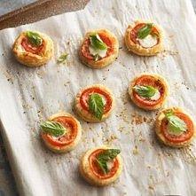tomato and mozzarella tarts
