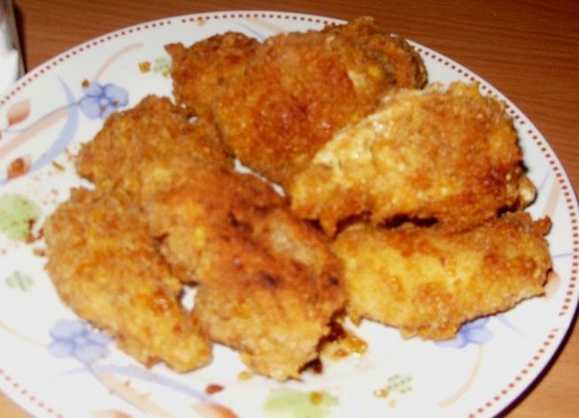 Polędwiczki drobiowe jak z KFC (ugotowane,panierowane w cieście naleśnikowym i płatkach kukurydzianych zmieszanych z bułką tartą)