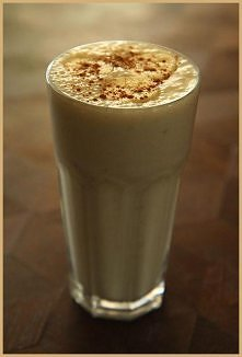 Pyszny i dietetyczny koktajl bananowo kawowy :)  Składniki:  - 1 średni dojrz...