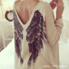 Skrzydlaty sweterek <3