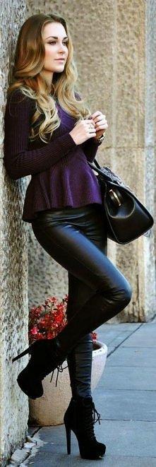 Wysokie botki, skórzane spodnie i bluzka z baskinką!