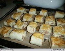 Składniki: Pół kostki drożdzy, 2 szkl.mąki, 2 łyżki oliwy, 5 łyżek ciepłej wo...