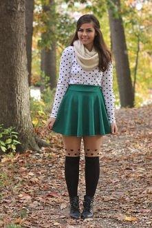 piekny kolor spodniczki :)