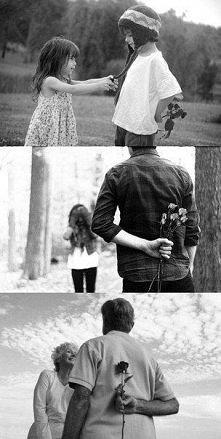 Życie jest piękne, kiedy masz ukochaną osobę <3 Takie obrazki przypominają, że  miłość jest możliwa w każdym wieku...
