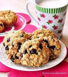 Ciasteczka owsiane z czekoladą i orzeszkami ziemnymi składniki: 1 szklanka pł...