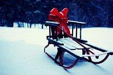 Najwspanialszy prezent pod choinkę dla dziecka? Sanki! :)