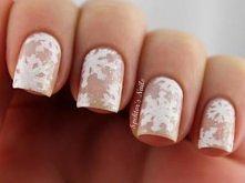 Idealne paznokcie  - wtapiające się w klimat zimowy:)