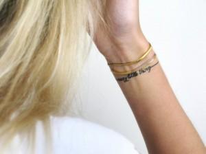 Tatuaż Na Nadgarstku Na Biżuteria I Dodatki Zszywkapl