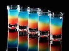 SKŁADNIKI * malibu (35 ml) * wódka (35 ml) * likier pomarańczowy (35 ml) * grenadyna (50 ml) * sok pomarańczowy (200 ml) * blue curaçao (40 ml) * 3 cytryny * limonka * syrop cuk...