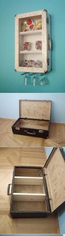 Szafka z walizki