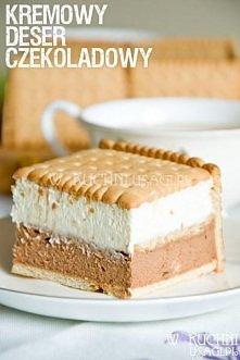Mus czekoladowo - śmietankowy w herbatnikach  Składniki: 500 g serka mascarpone 200 ml śmietanki kremówki 150 g gorzkiej czekolady ok. 80 g cukru 5 paczek herbatników (ok. 50 he...
