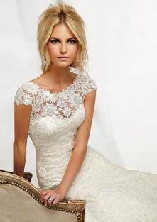koronkowa suknia ślubna. Tak czy nie?