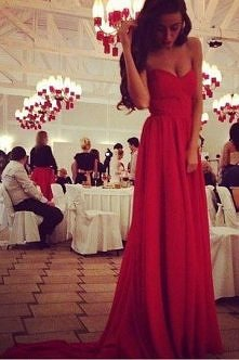 the most beautiful dress I've ever seen ♥ ♥ ♥