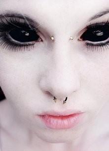 Tatuaż na oku...Co o nim uważacie?