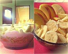 Najlepsze śniadanie pod słońcem.! :D  -jabłko -banan -jogurt naturalny -płatk...