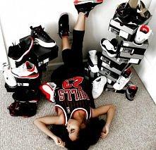 Jordans 4 ever.
