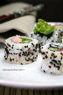 składniki na 8 rulonów uramaki:  2 szklanki ugotowanego ryżu (klik) 4 płaty w...