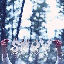 Biały,puszysty śnieg <3