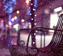 Bielutki, puszusty, mięciutki, leży na ziemi śnieg leciutki...