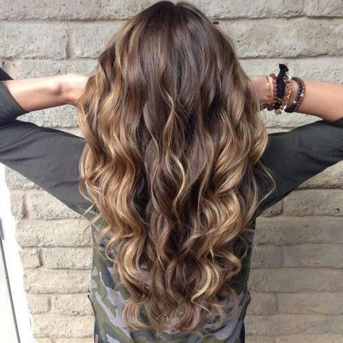 Внутреннее мелирование на темных волосах