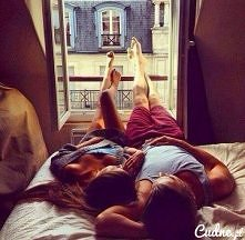 """""""Miłość zaczyna się wtedy, kiedy szczęście drugiej osoby staje się ważniejsze od twojego."""" .. :)"""