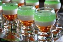 Jell-O shots w irlandzkich barwach Pokusa leprekauna ;)      1 op. galaretki ...
