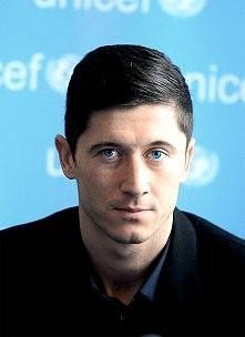 te jego piękne oczyska <33 niebieskie :D
